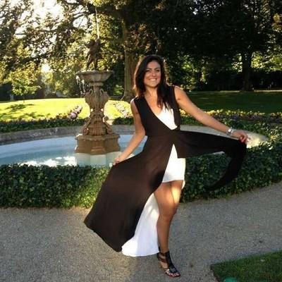 Elena Goldstein - Busy Beauty person