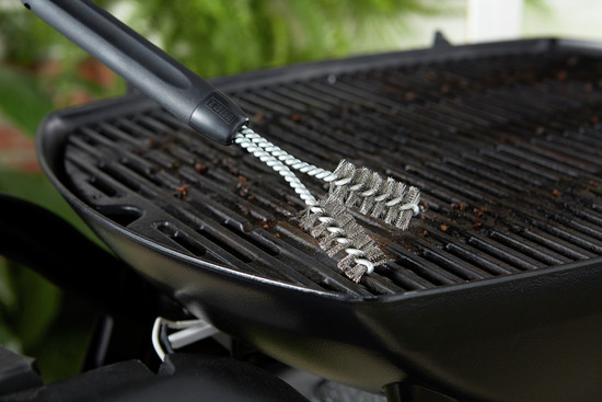 Cast-Iron Grill Brush 6495 Cleaning - Cleaning and Care file