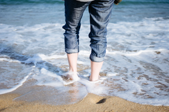 Cameron Smith-Barcelona Spain Europe Beach Abroad Mediterranean Sea Water Girl Sunny Summer .Pdf